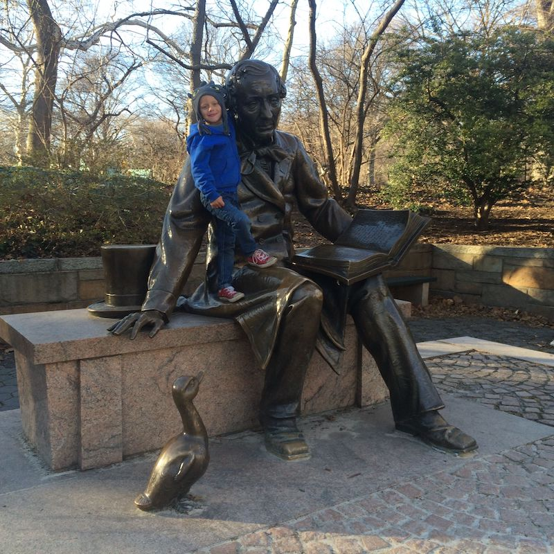 image - hans Christian Anderson Statue Central Park hug