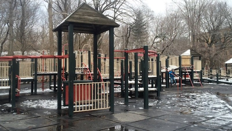 image - lincoln road playground toddler fort