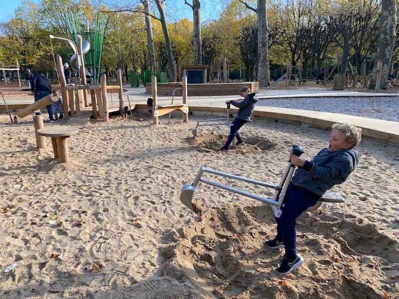 paris gardens luxembourg playground digging machine pic