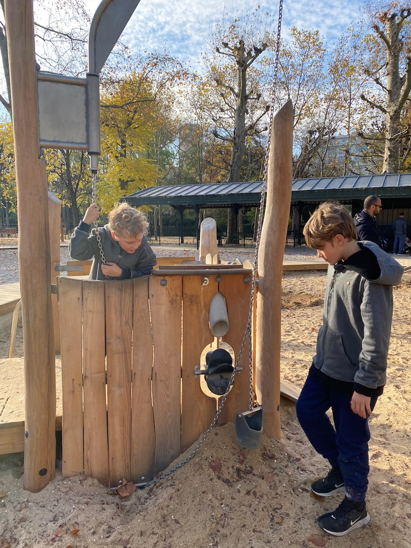 jardin du luxembourg play area sandpit pic
