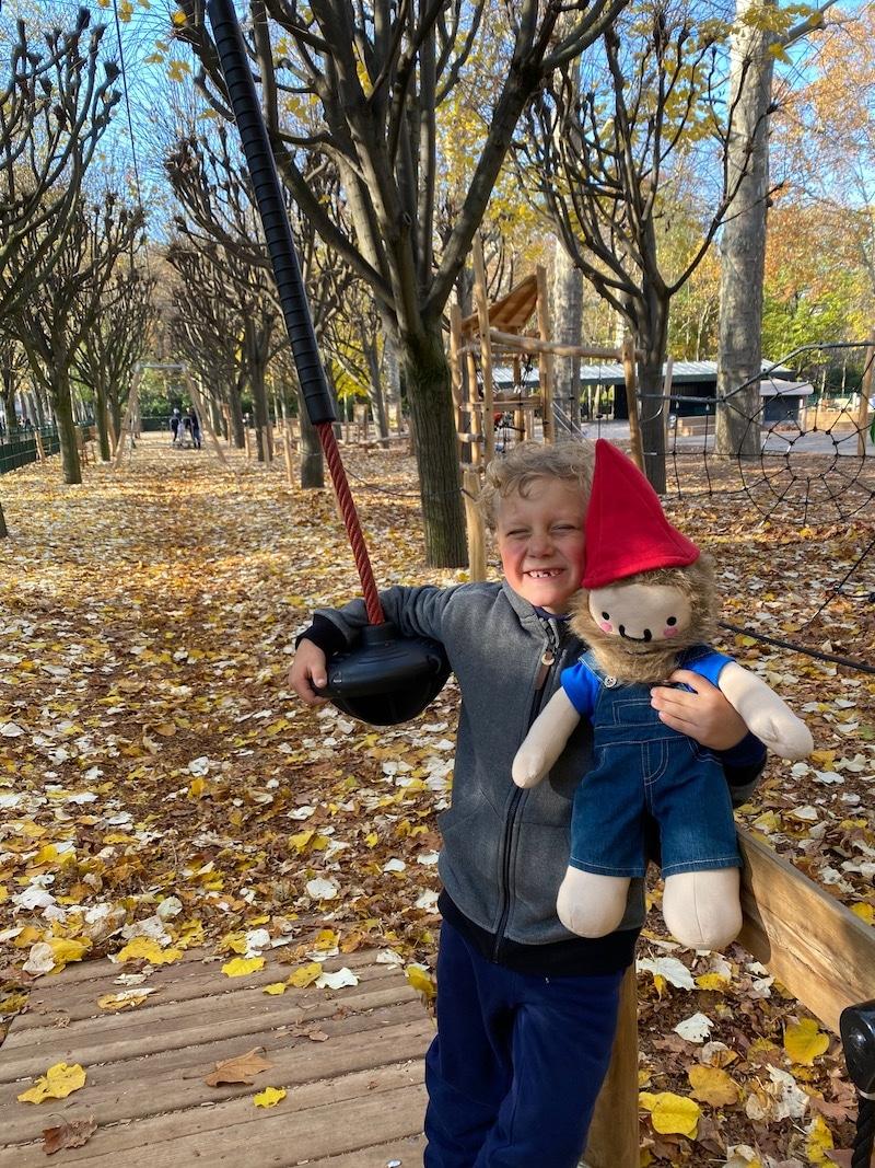 jardin du luxembourg playground zipline in paris pic