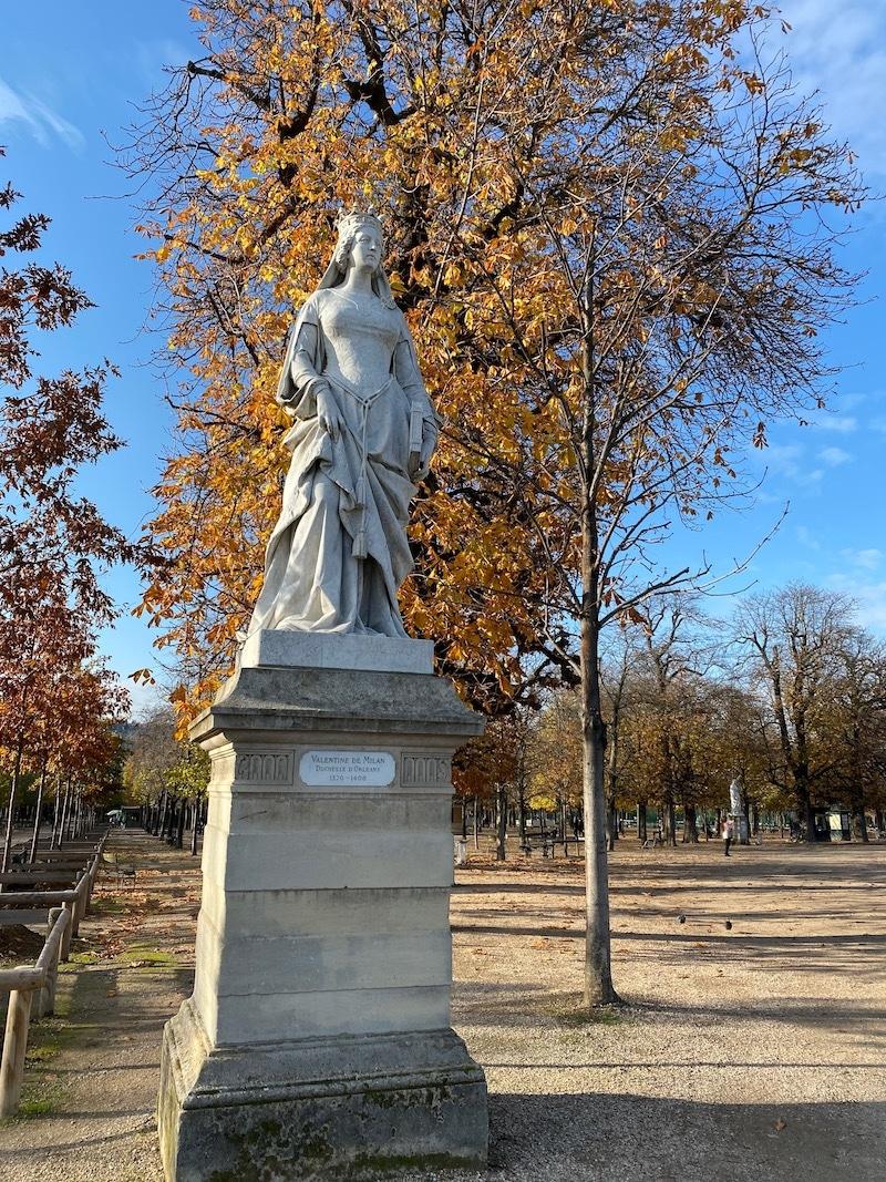 jardin du luxembourg statues queens