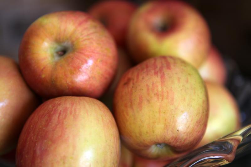 apples by michael dorausch flickr 6850225451 ATT REQ