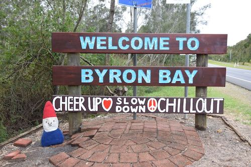 image - best things to do in byron bay australia welcome sign 500