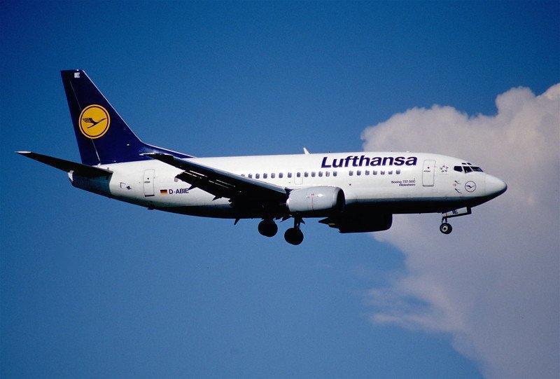 lufthansa airplane by aero icarus
