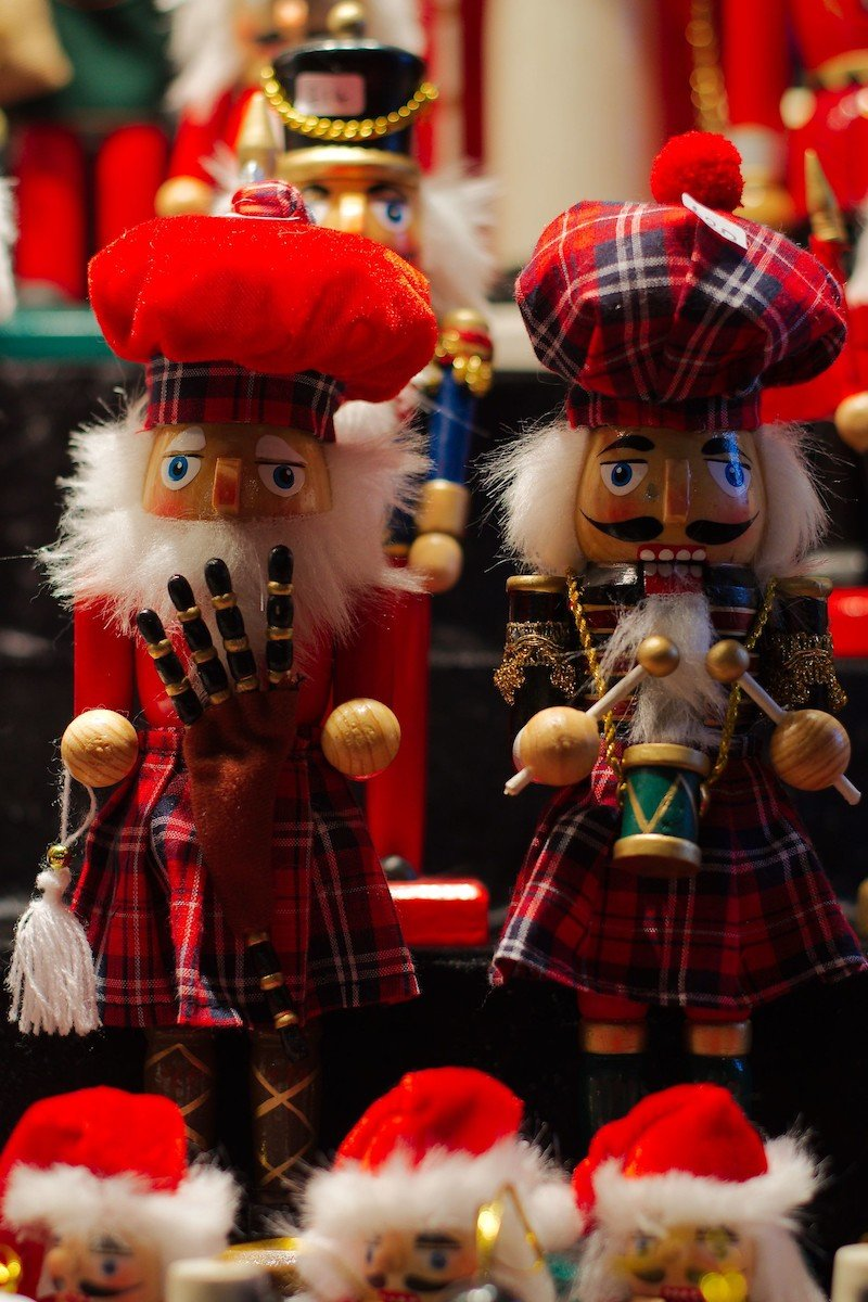 scottish nut crackers pic by magnus hagdorn