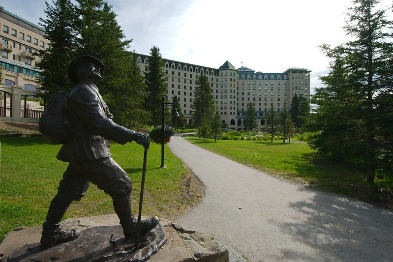 the fairmont chateu lake louise hotel