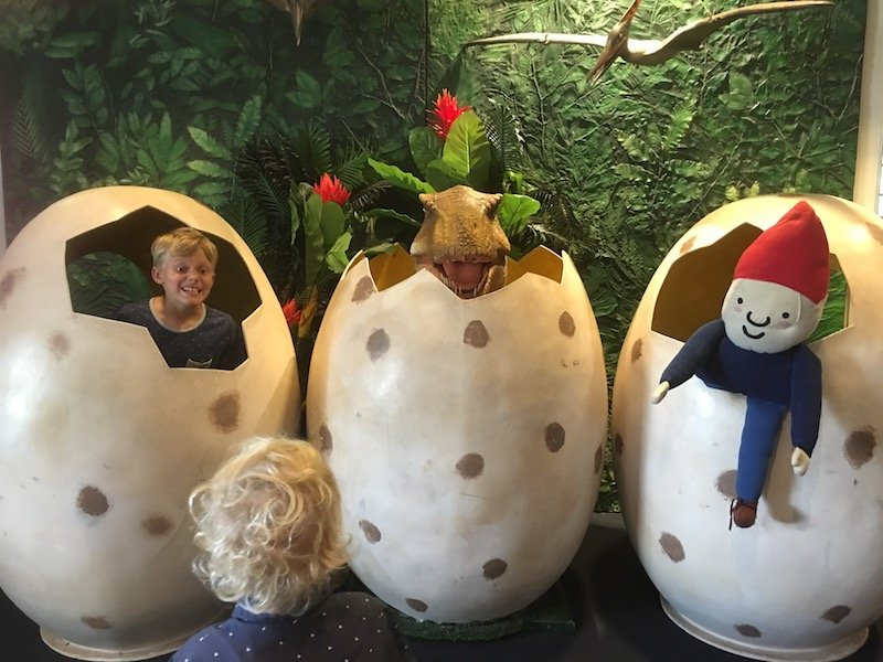 National Museum of Dinosaurs Canberra giant eggs pic