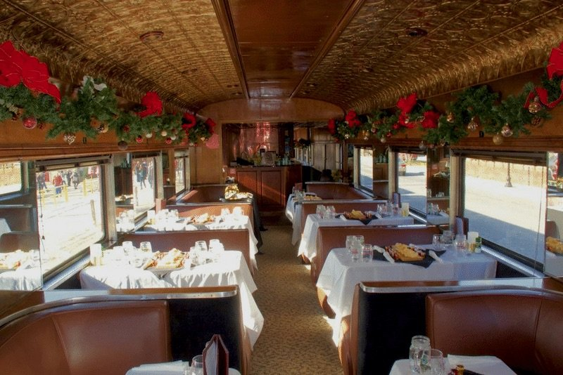 great-smoky-mountains-railroad-polar-express-train-ride