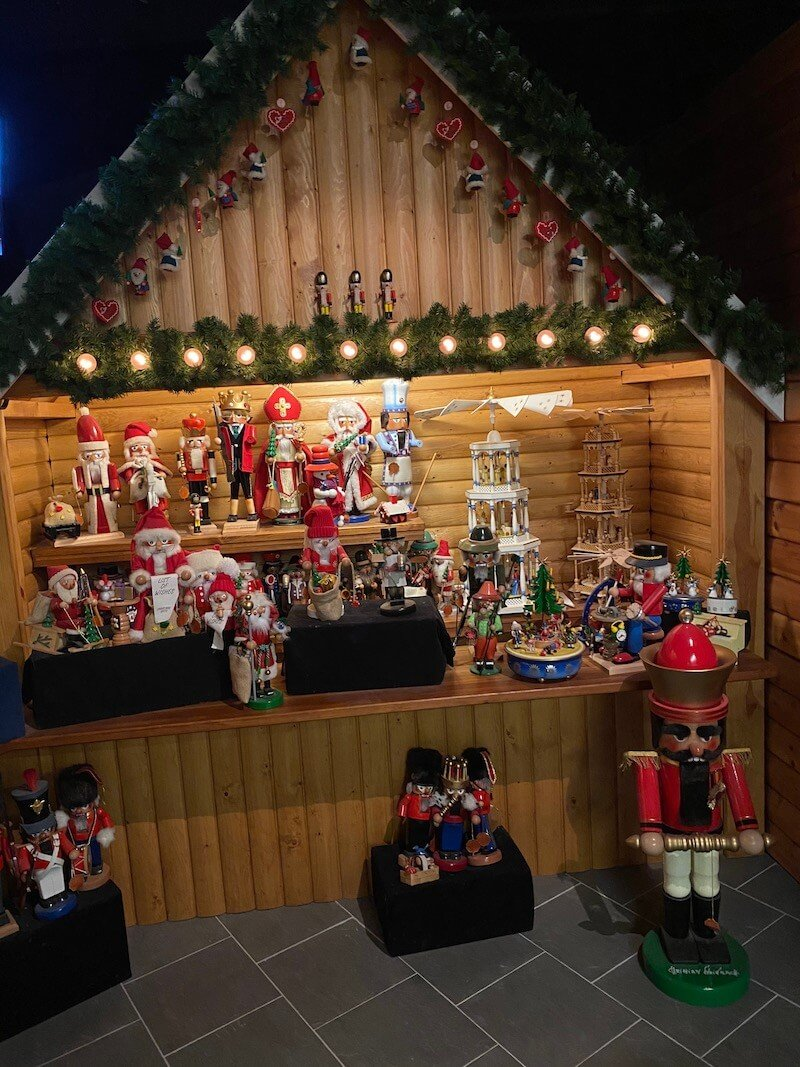 Image - Christmas house santa and exhibition decorations from around the world