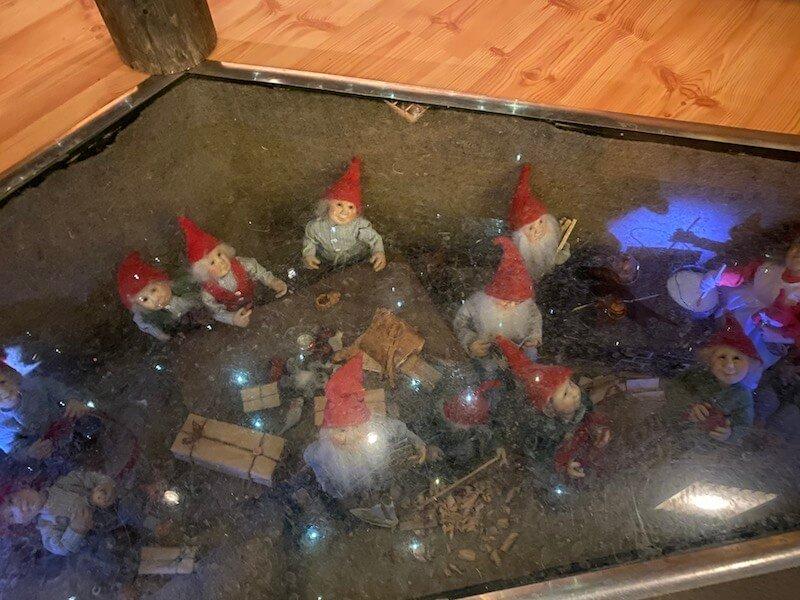 Image - Christmas house santa and exhibition elves underfloor