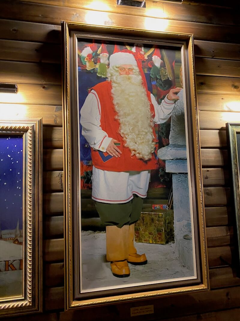 Image - Christmas house santa and exhibition painting of st nicholas
