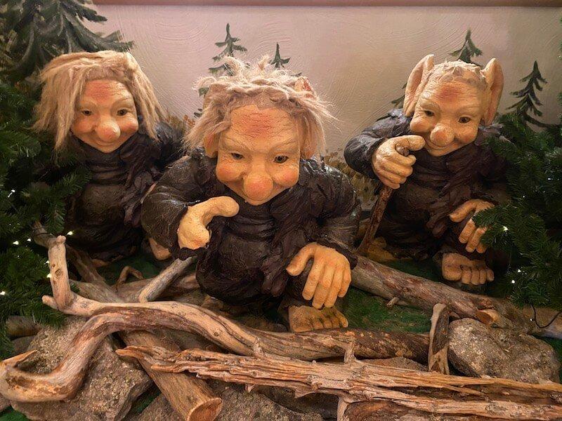 Image - Christmas house santa village trolls at door
