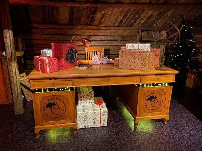 Image - Santa Claus Office desk