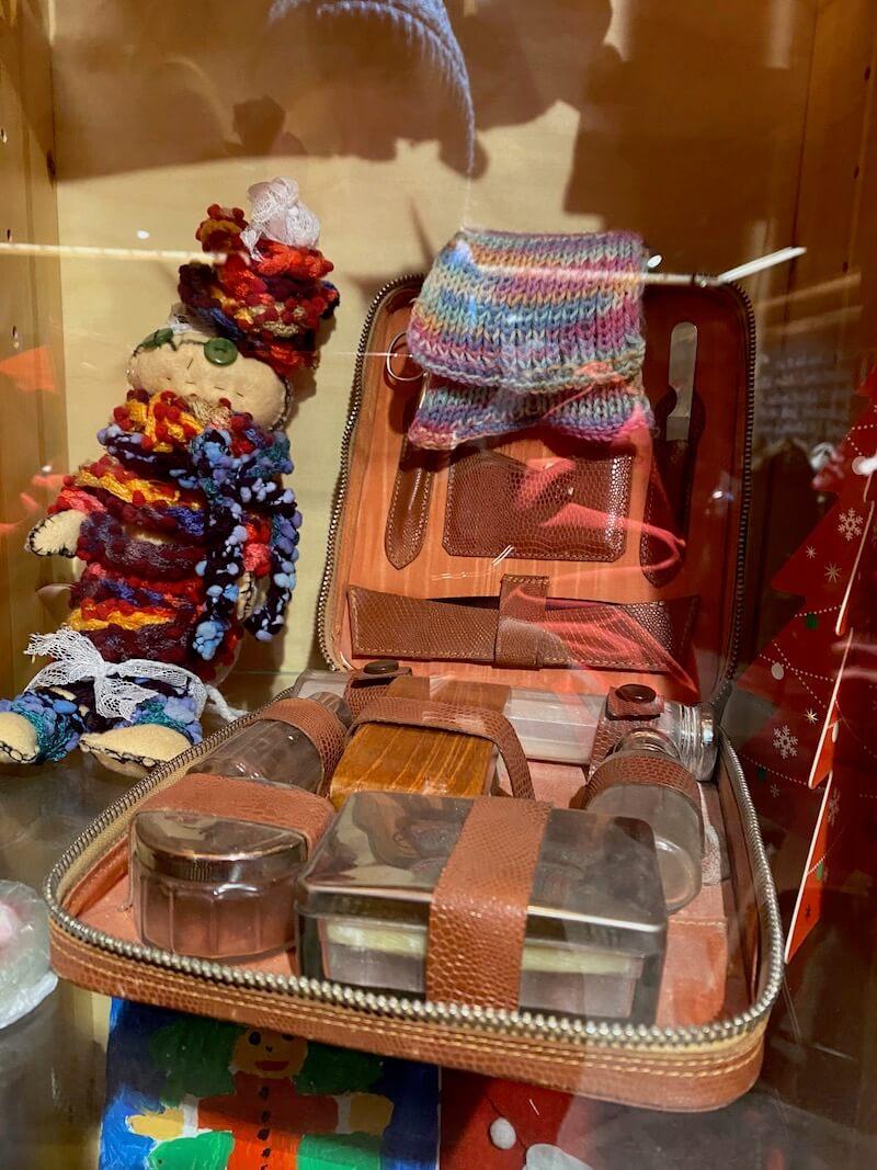 image - official santa post office shaving kit gift