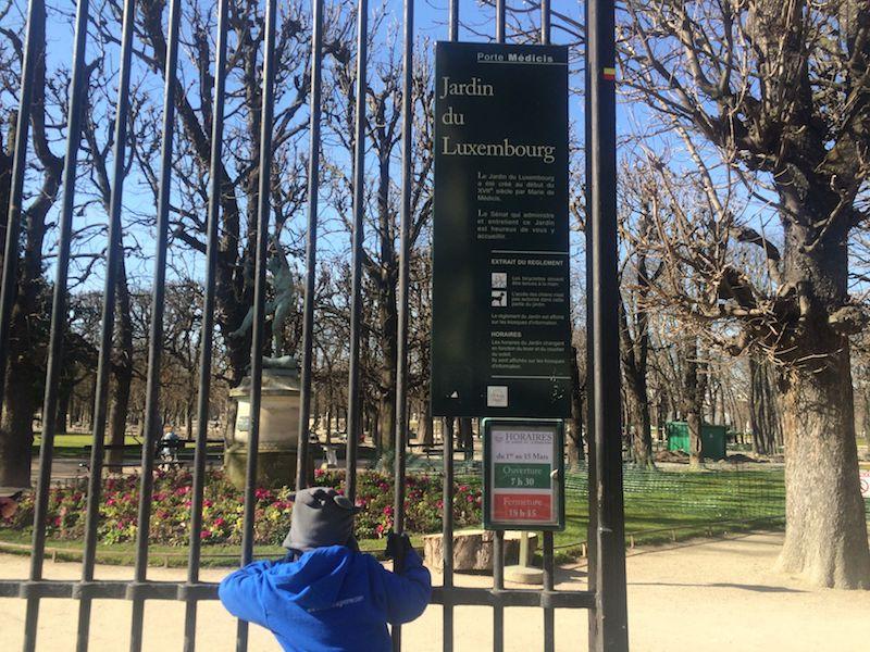 Best Gardens in Paris- gate to jardin du luxembourg