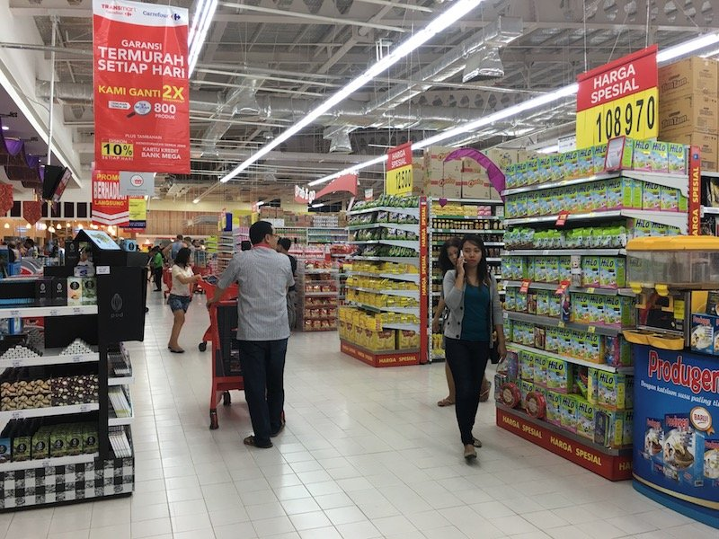 Carrefour sunset road Bali Supermarket specials aisle pic