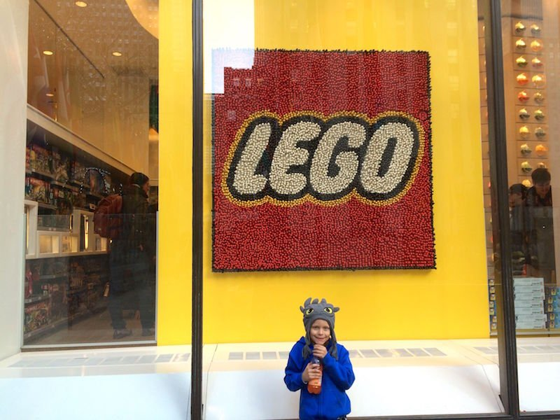Photo - Lego Brick Store New York Manhattan