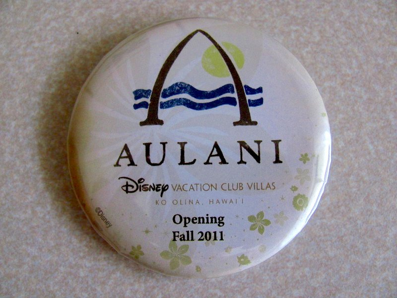 aulani button by loren javier