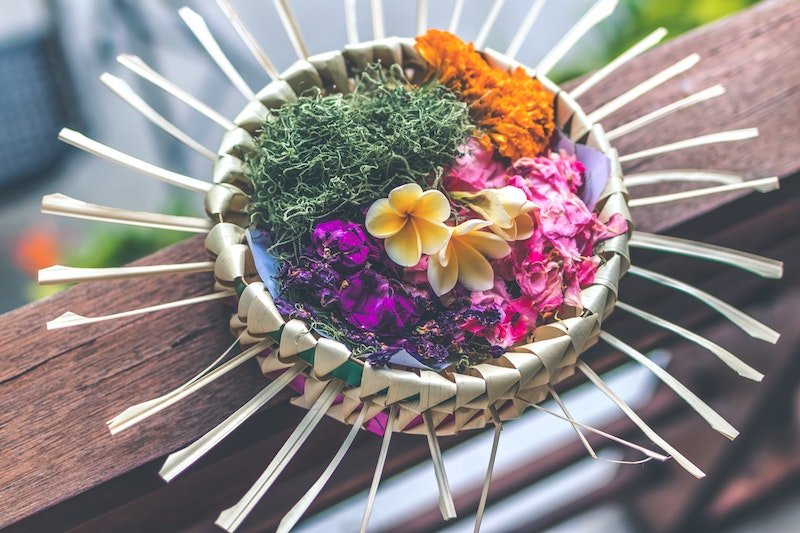 bali shopping guide flower offerings