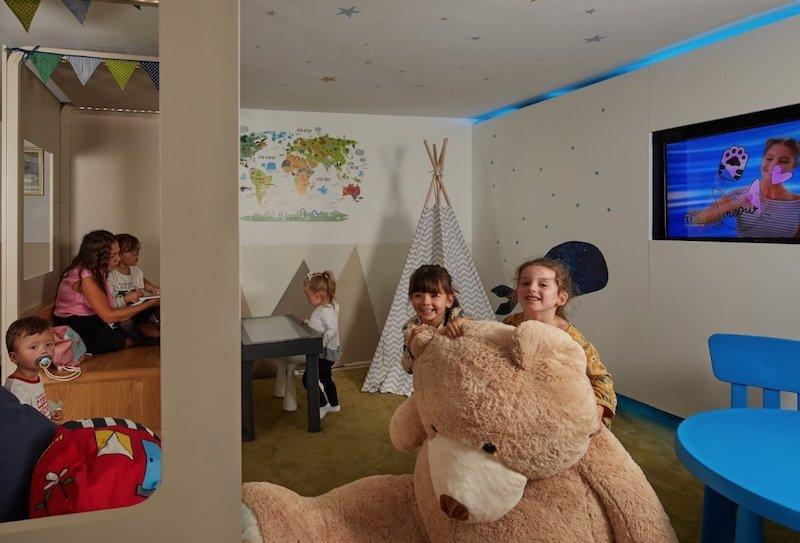 best family hotel in paris novotel paris les halles childrens play room pic