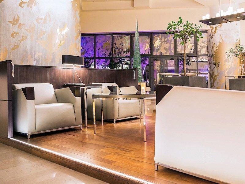 best family hotel in paris novotel paris les halles lounge area pic