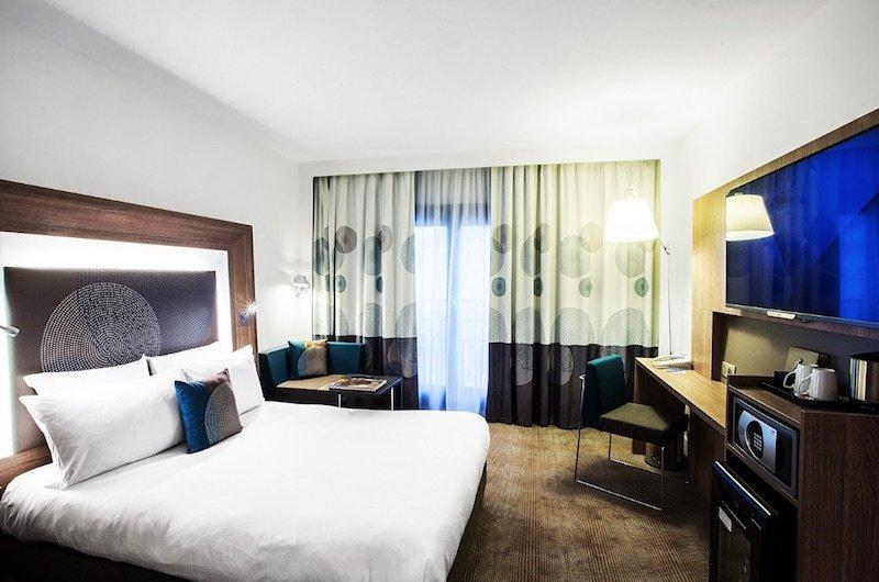 best family hotel for kids in paris - novotel paris les halles room view pic