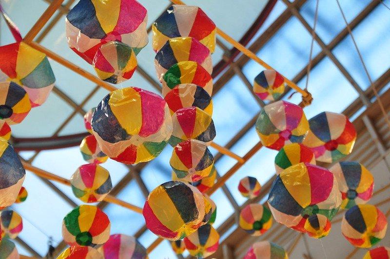daiso tokyo paper balloons by ajari flickr