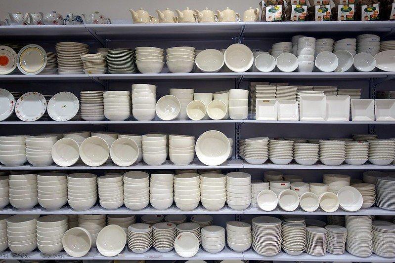 daiso tokyo white ceramics by abdulla al muhairi flickr