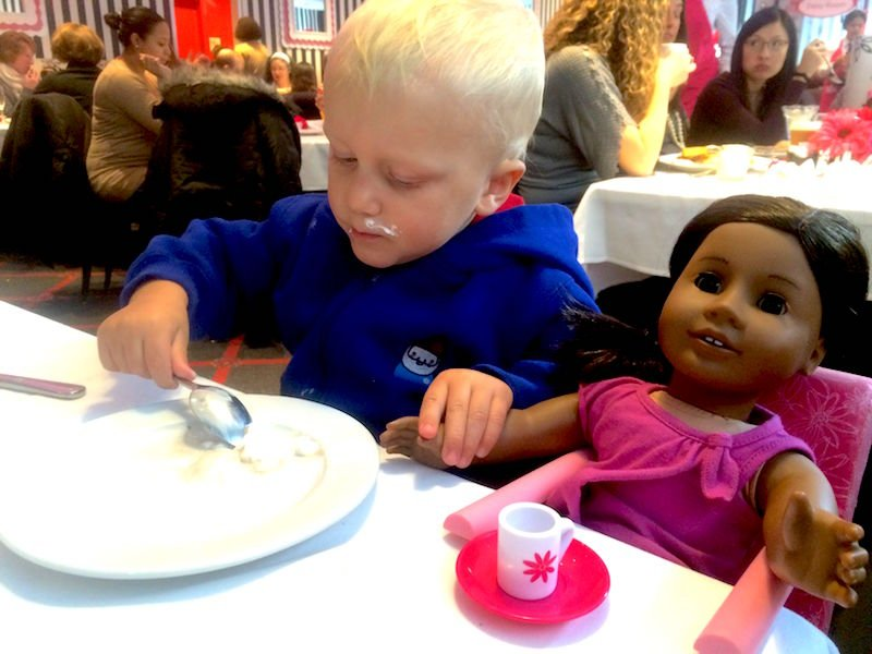 jack at the american girl place cafe in new york 800