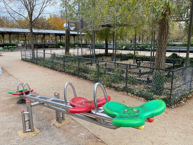 jardin des tuileries paris playground seesaw pic