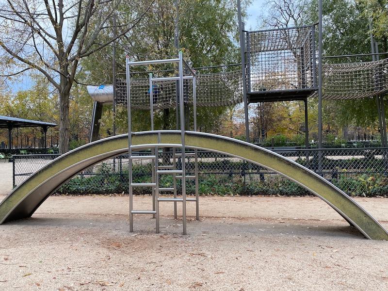 aire de jeux paris playground parkour pic