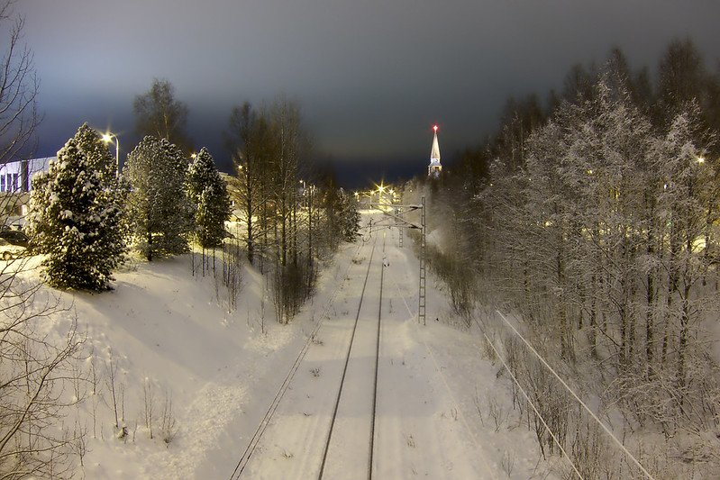 lapland train track via adrian perez