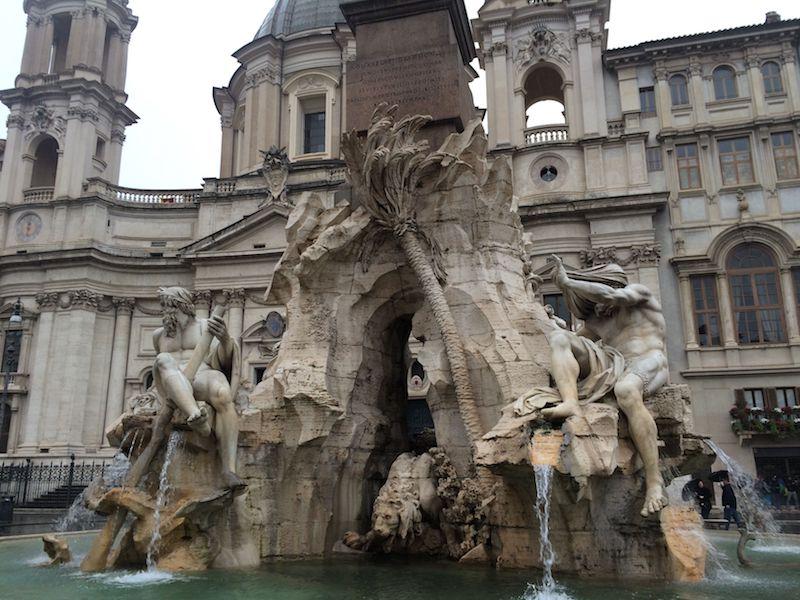 piazza navona statues 800