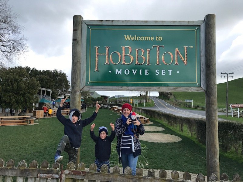 hobbiton sign pic