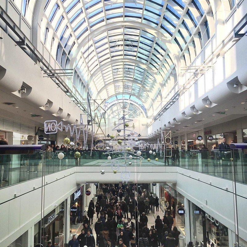 les 4 temps shopping centre pic