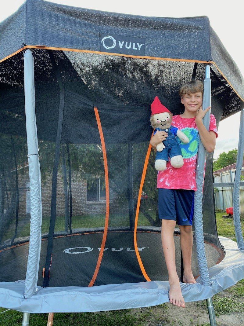 vuly trampoline review with roam the gnome