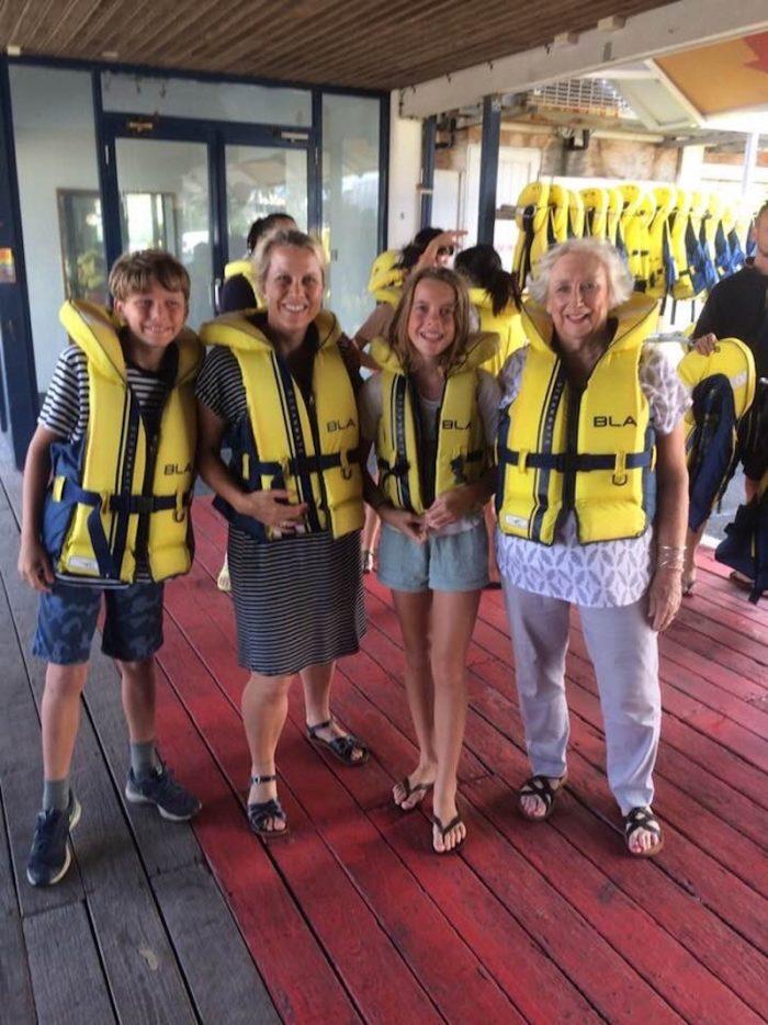paradise jet boating life jackets pic