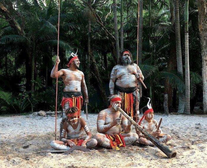 Australia-with-kids-Aboriginal-dancing