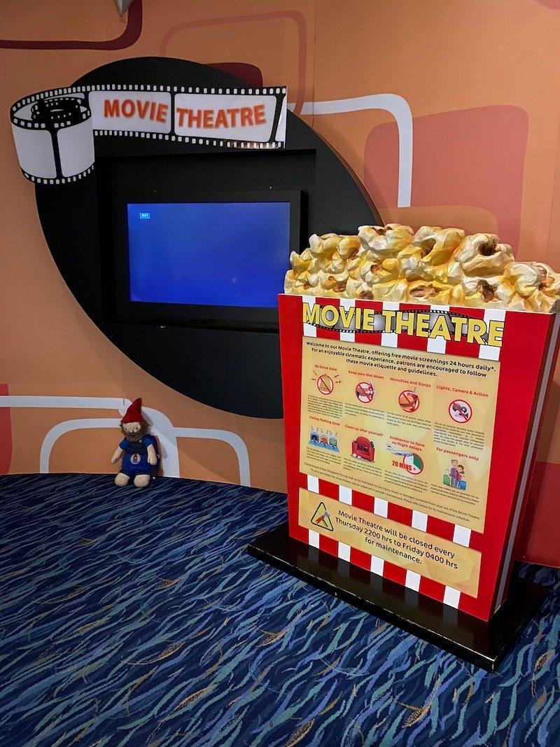 changi airport free movie theatre T2 800