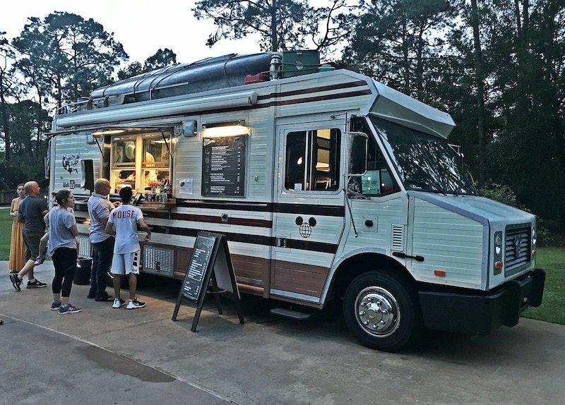 chip-and-dale-campfire-food-truck-by-falando-de-orlando