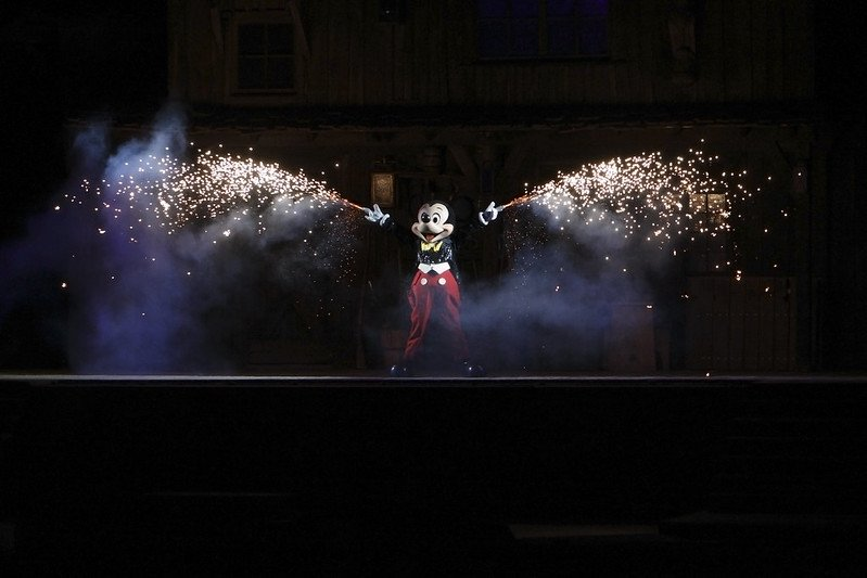 disneyland fantasmic with mickey mouse by fortherock