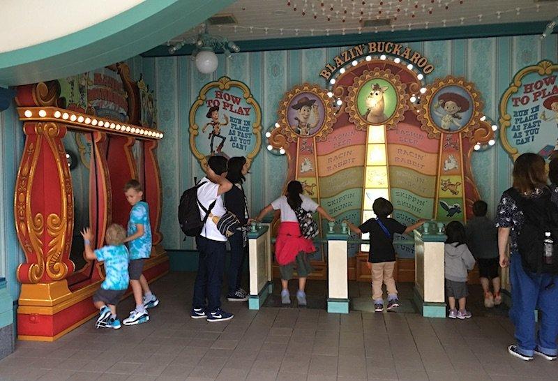 tokyo-disneysea-toy-story-mania-games-arcade-800