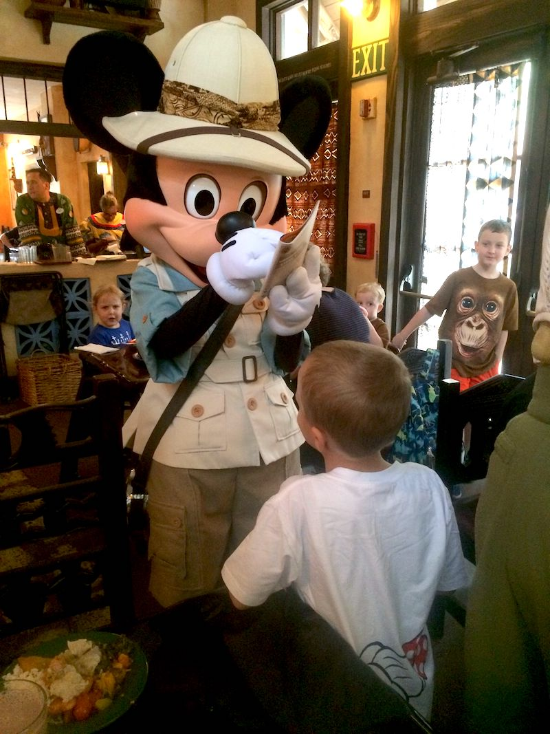 photo - tusker house character meal at disney world 800