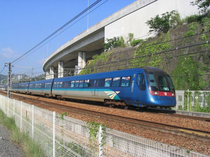 Airport_Express_Train pic