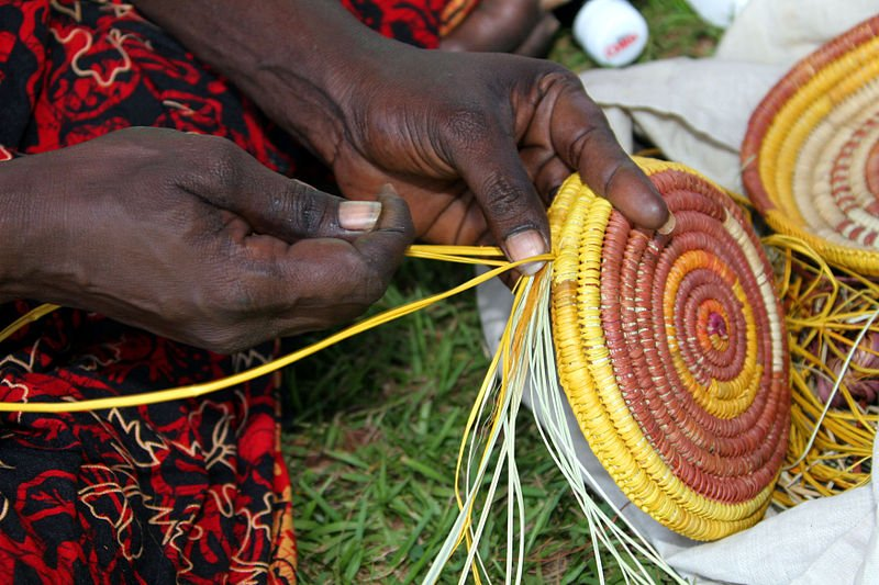 image - aboriginal weaving by Sgt. David J. Hercher 800 wikipedia