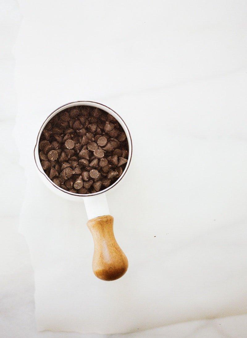 chocolate-chips-on-mug pexels