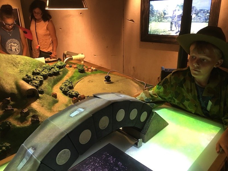discovery zone canberra war memorial australia 3D game pic