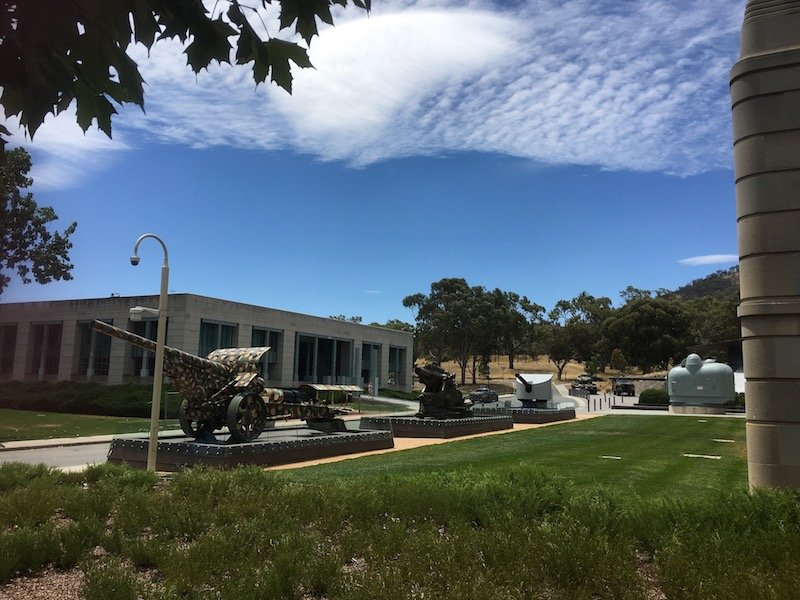 discovery zone canberra war memorial australia exterior pic