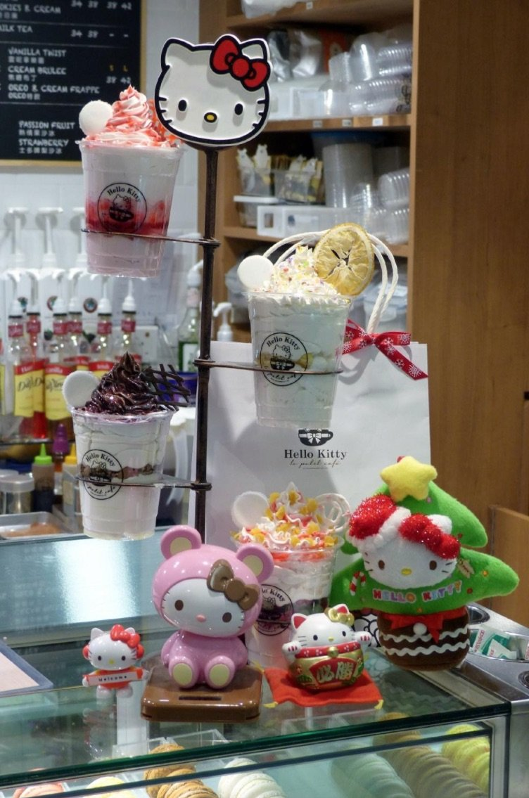 hello-kitty-cafe-causeway-bay-counter